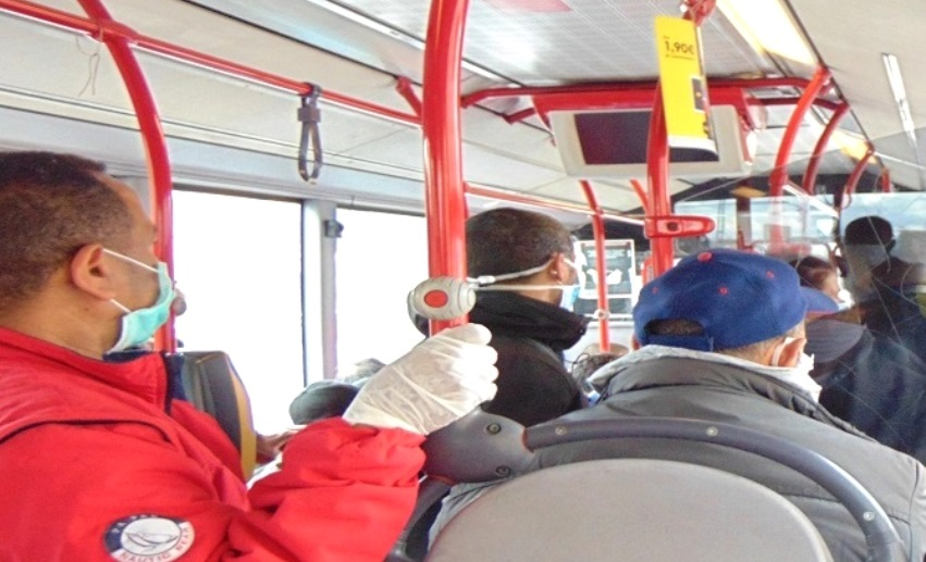 Roma, bus affollato durante il Coronavirus