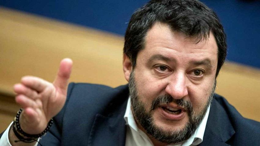 """Mattero Salvini """"Raggi incapace"""""""
