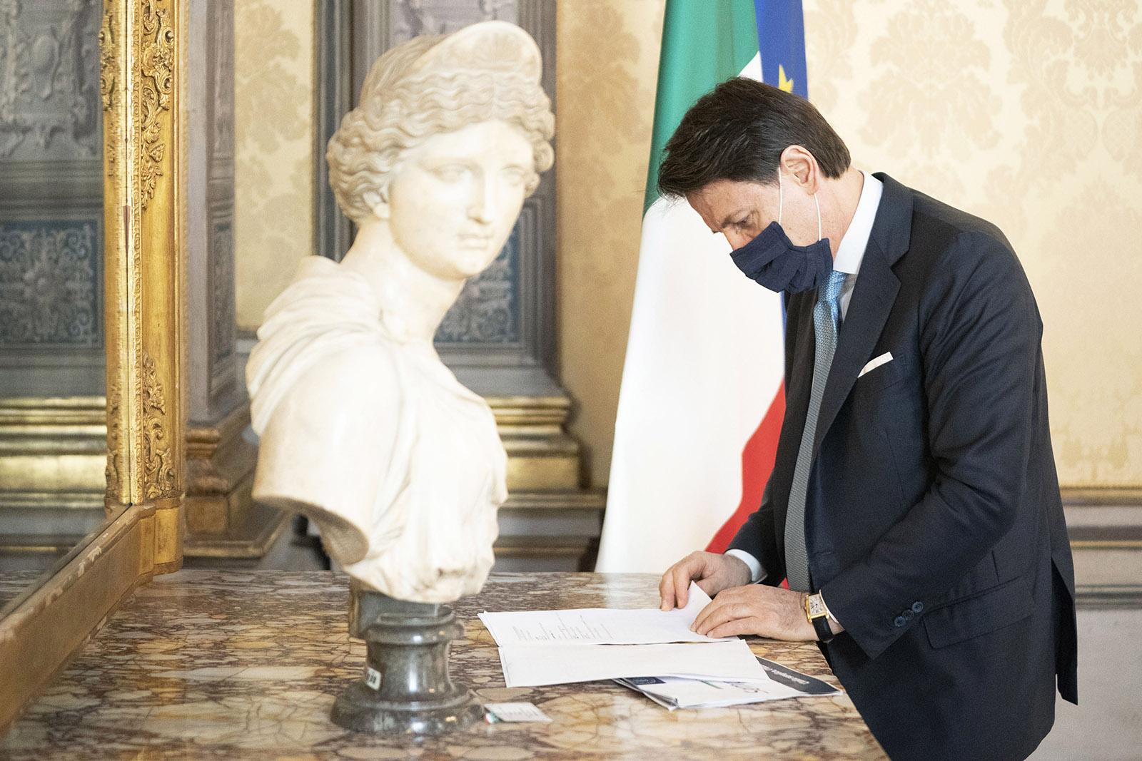 Giuseppe Conte, Decreto Semplificazioni