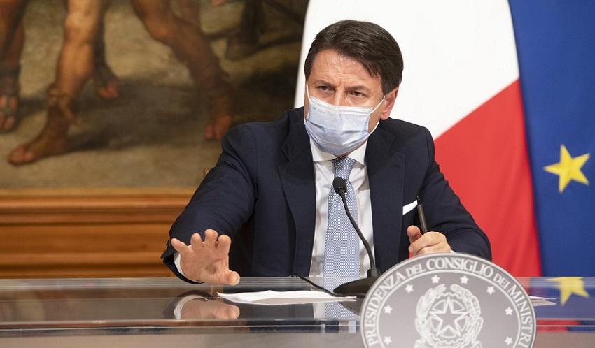 italia a tre colori: conte illustra il dpcm del 3 novembre