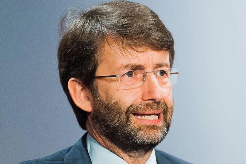 il premier si è dimesso: dario franceschini