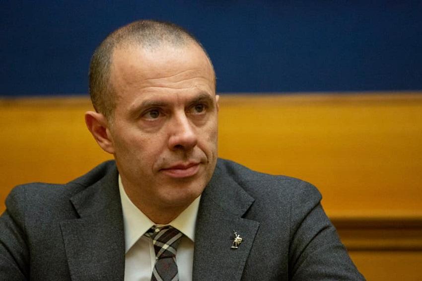 sfiducia e commissione d'inchiesta: massimiliano romeo