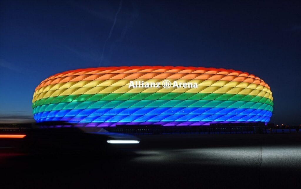 sport e politica, allianz arena arcobaleno