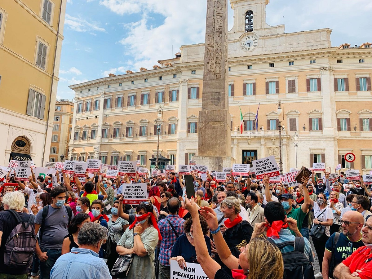 bye bye ddl zan, #restiamoliberi a roma nel luglio 2020