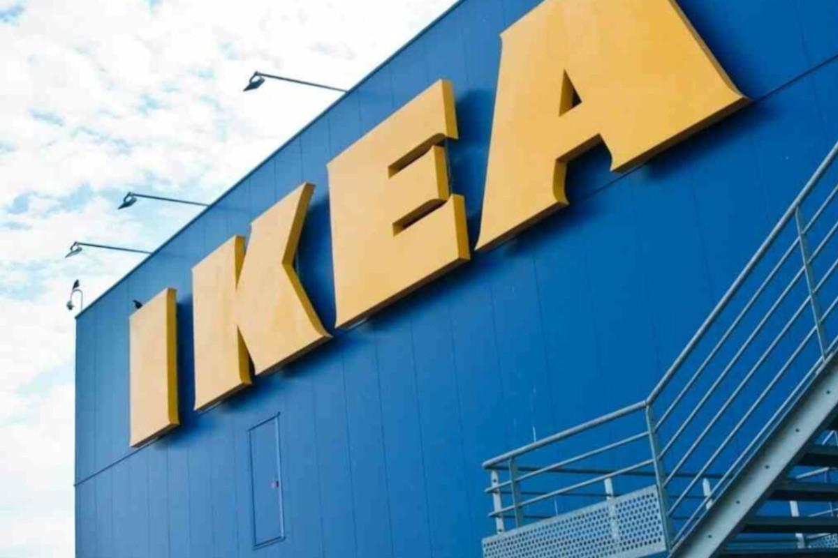 Ikea logo insegna