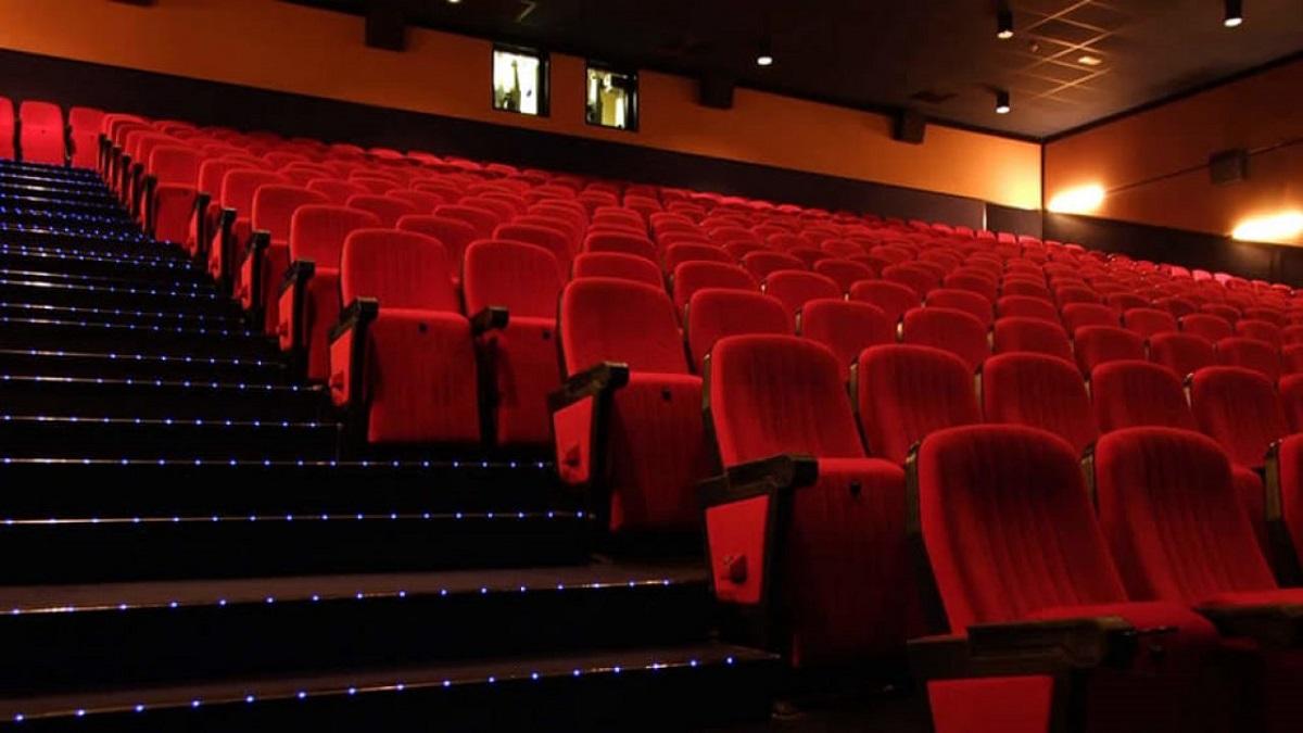 aumento delle capienze, cinema vuoto