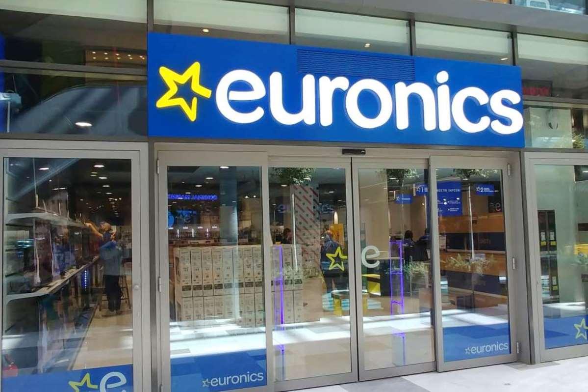 Euronics vetrine negozio