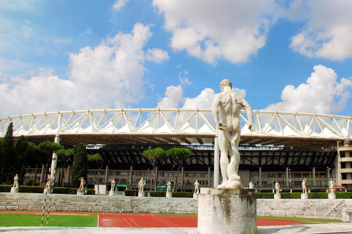 Una foto della Stadio Olimpico di Roma, visto dal prospicente Stadio dei Marmi