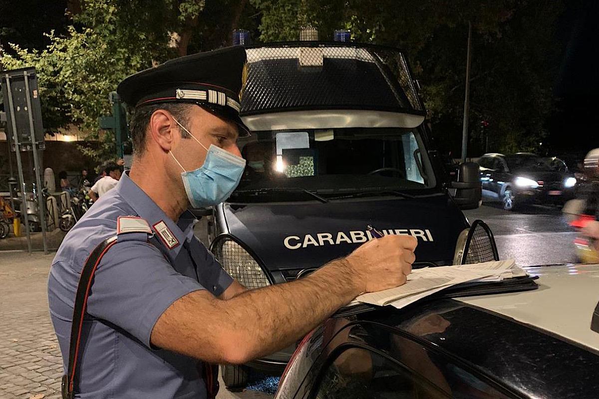 Carabiniere fa una multa